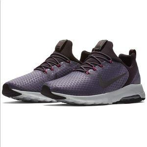 Nike Women's Air Maxo Motion LW Racer Shoe